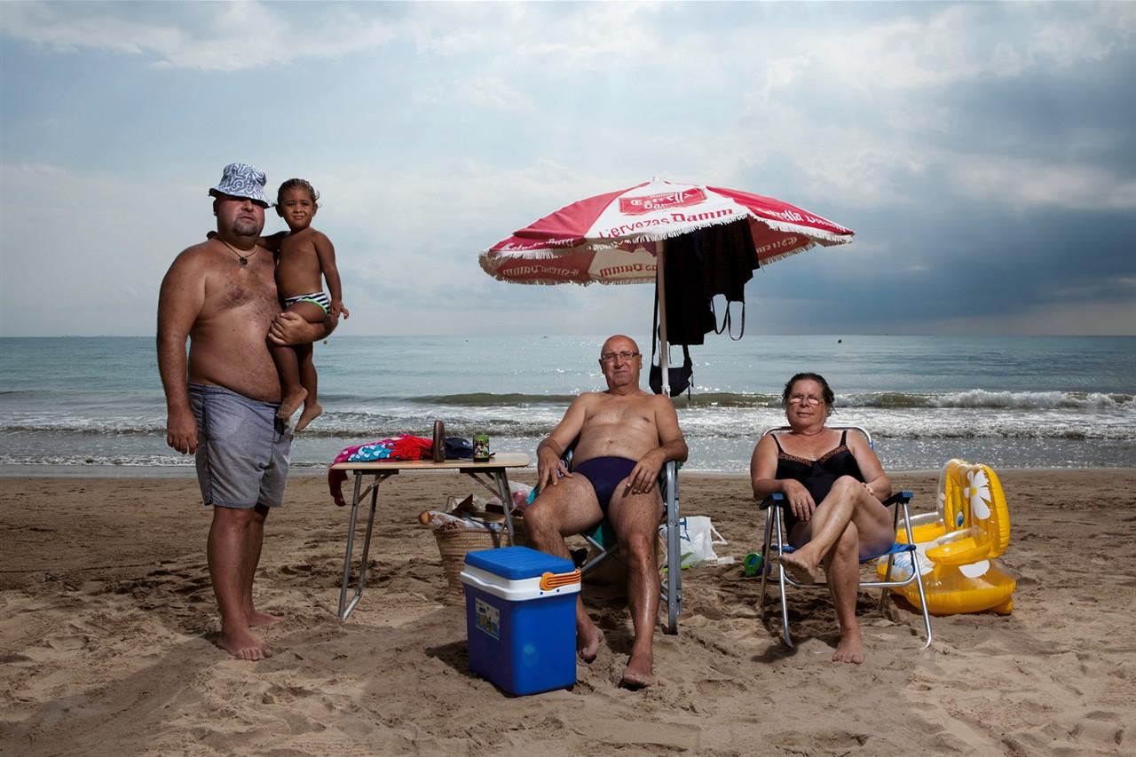 Семьёй на пляже 26 фотография