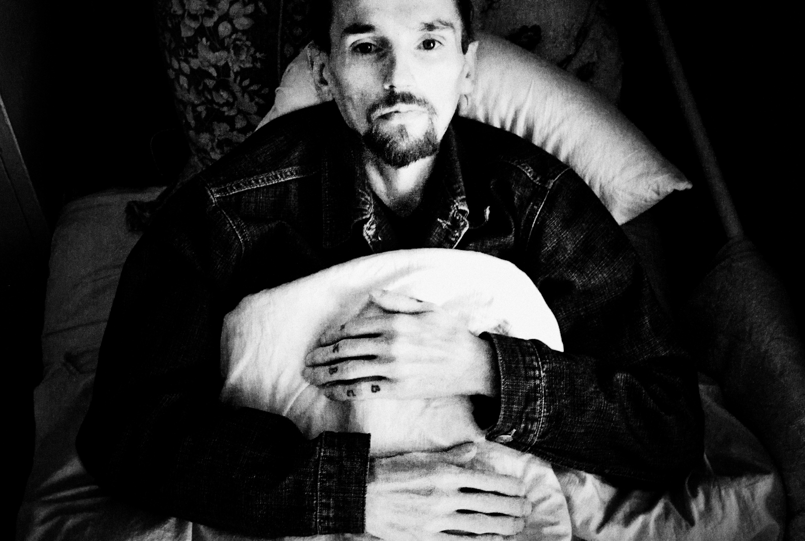 misha friedman tuberculosis in the former soviet union burn kolya 31 who is living hiv and has tuberculosis has a poor