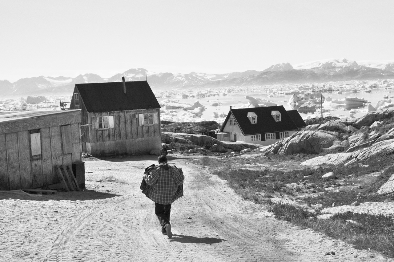 greenland single parents Twenty-four hours after departing a chaotic and densely populated london heathrow, i touch down in greenland on what appears to be the only patch of land that isn't.